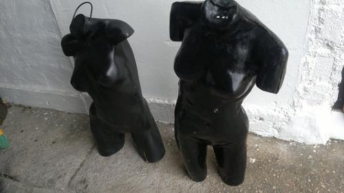 vendo 2 maniquí femenino con pequenios detalles $1500