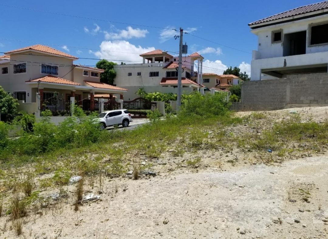 vendo 2 solares colindantes  residencial colinas del oeste
