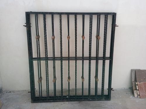 vendo (3) rejas de acero para ventanas 1.29 x 1.39 mts