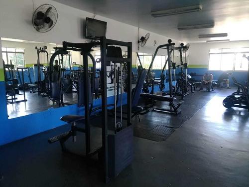 vendo academia de musculação e lutas completa
