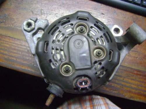 vendo alternador de dodge durango año 2002 , 8 cilindro gas