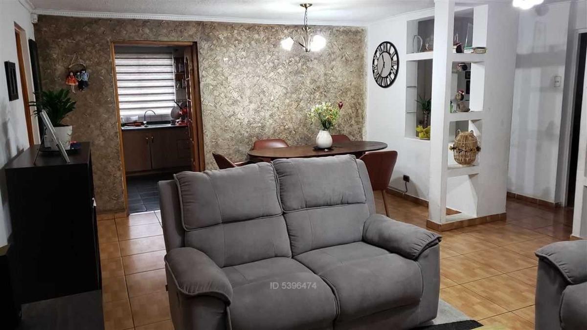 vendo amplia casa con local comercial. c
