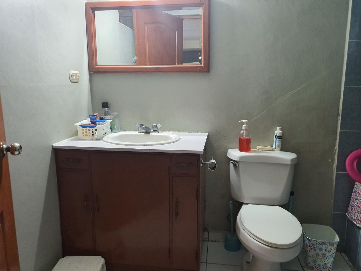 vendo amplia propiedad con 2 apartamentos blv sur santa tecl
