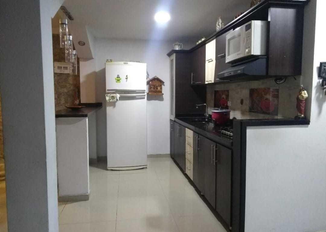 vendo amplio apartamento bien situado moderno espacioso