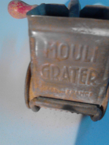 vendo antigua maquina de pica en buen estado de conservación
