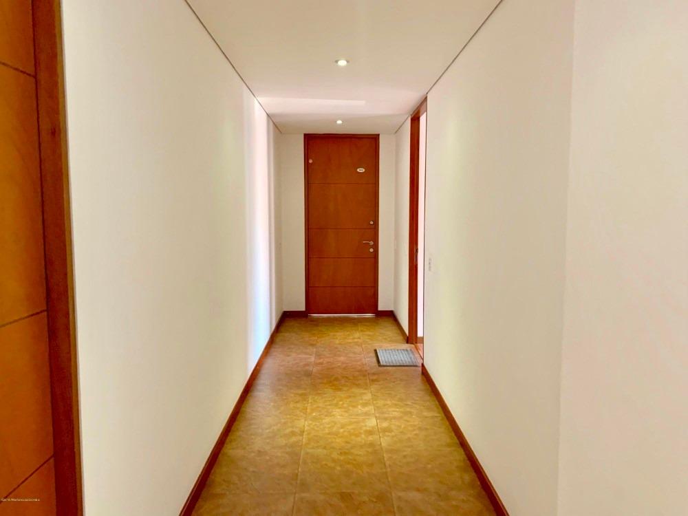 vendo apartamento amoblado en chico navarra mls 20-100 lq