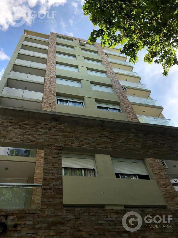 vendo apartamento de 2 dormitorios con terraza al frente, garaje opcional, a estrenar, parque batlle