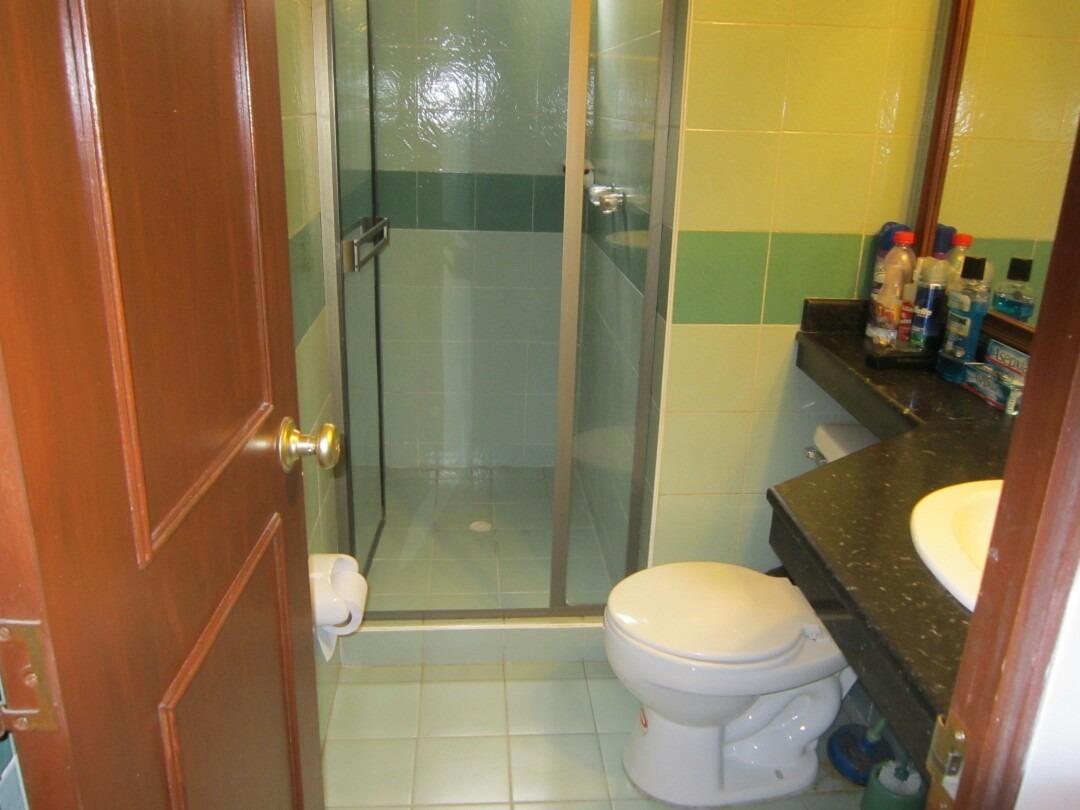 vendo apartamento de 3 habitaciones. 2 baños. salacomedor.
