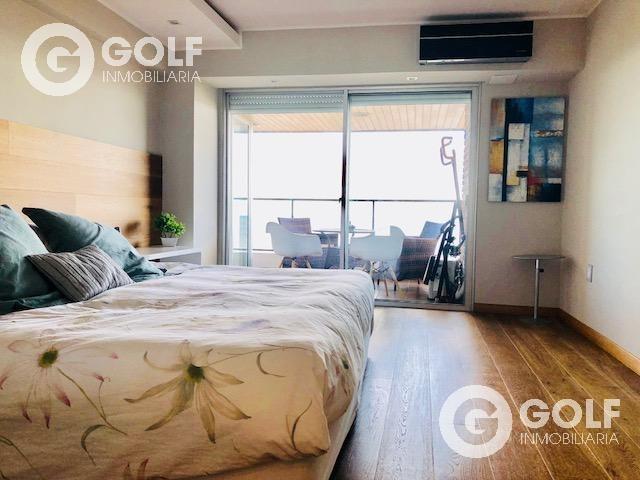 vendo apartamento de 4 dormitorios, parrillero exclusivo, 2 garajes, vista al mar, punta carretas