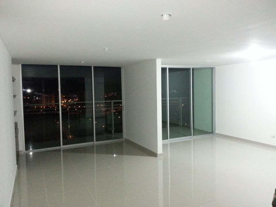 vendo apartamento en el piso 15 del edificio san juan plaza