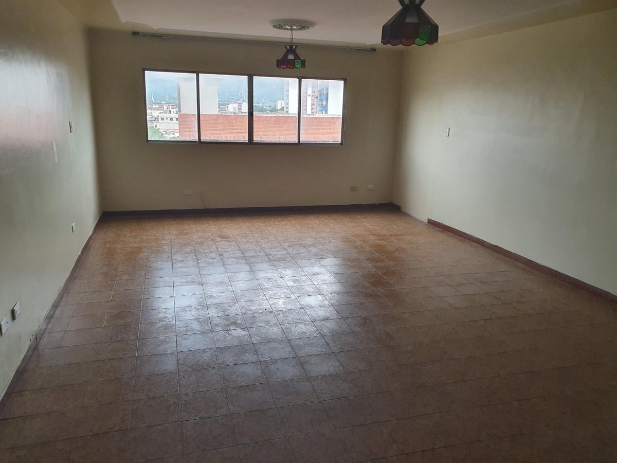 vendo apartamento en la 5 de julio edificio don jorge piso 6