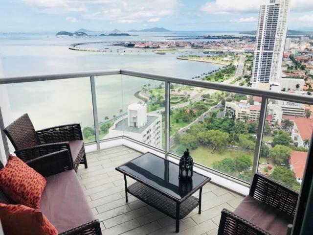 vendo apartamento en ph yacht club av. balboa 18-4