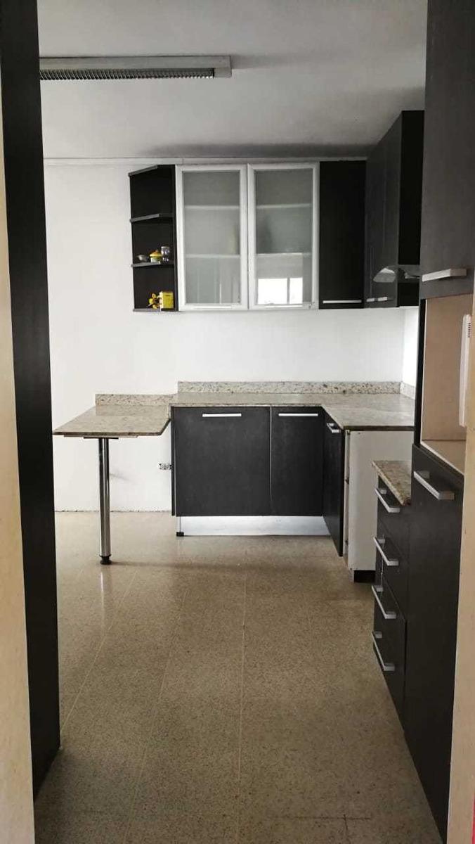 vendo apartamento en tumba muerto $185,000 ubicación.