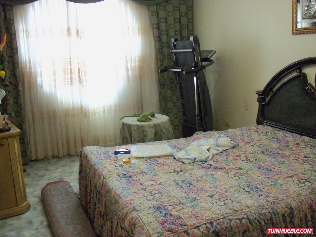 vendo apartamento en urbanizacion guaracarima