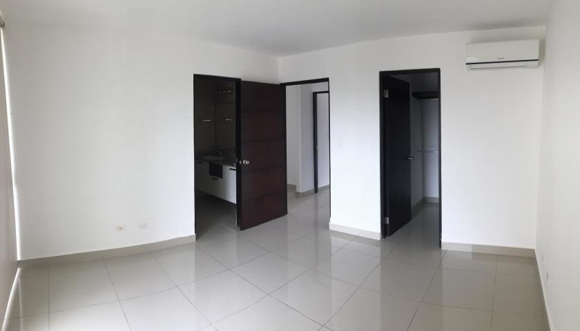 vendo apartamento espacioso en ph pine hills albrook 19-2940