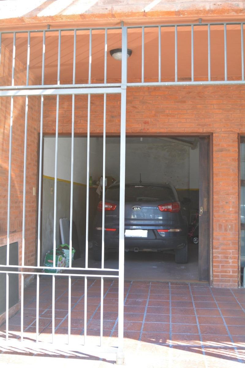 vendo apartamento pocitos 2 dormitorios parrillero garage