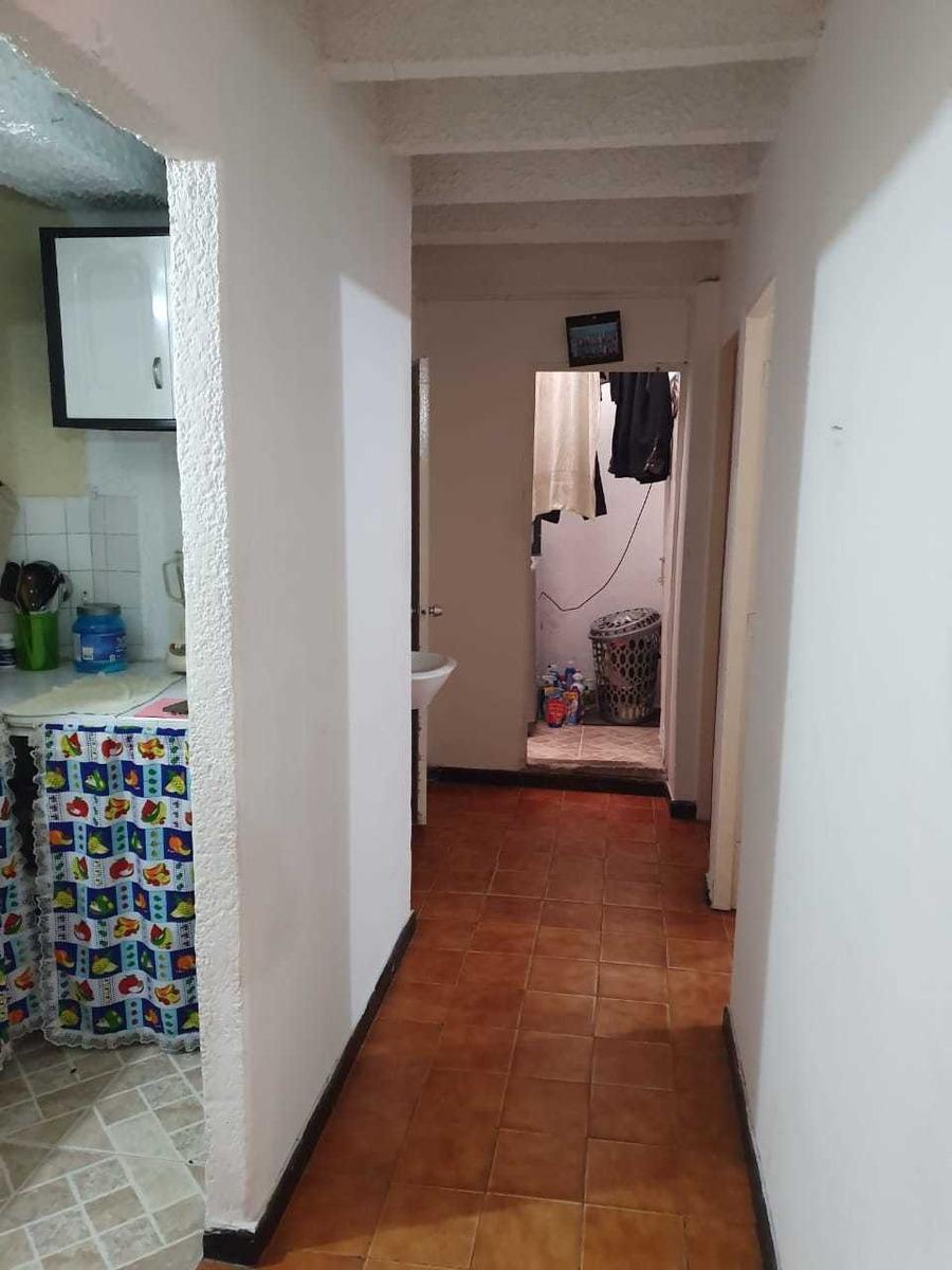 vendo apartamento sala comedor cocina, 2 habitaciones, patio