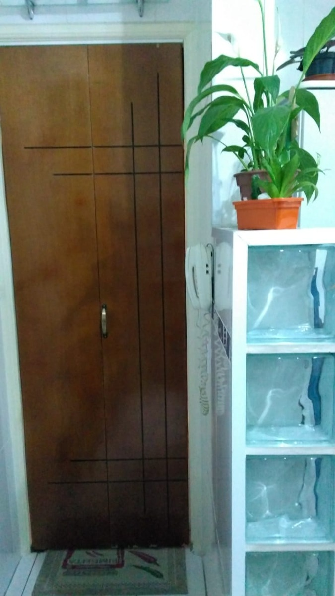 vendo apto. c/ 2 dorm,sala, cozinha, baneiro e lavanderia.
