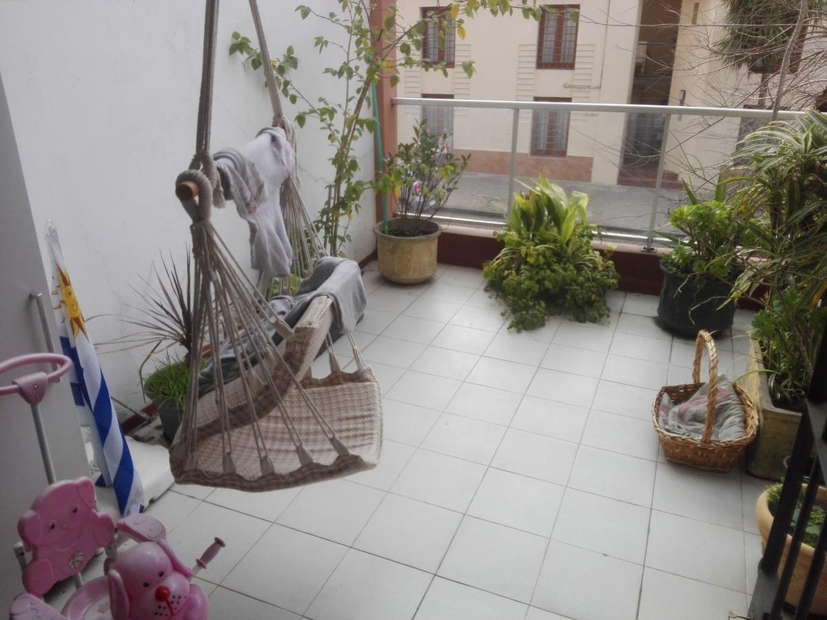 vendo apto. excelente estado y ubicación c/terraza 13 m2
