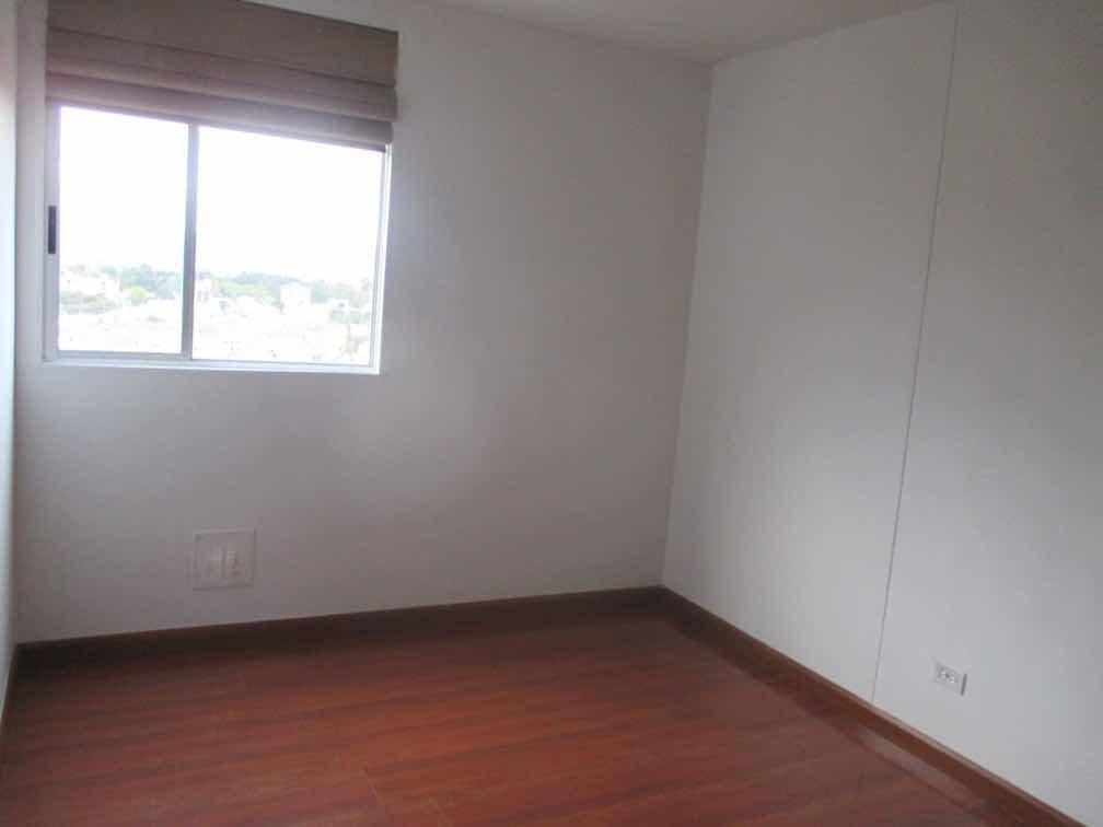 vendo apto remodelado ubicado en pontevedra de 105 m2.