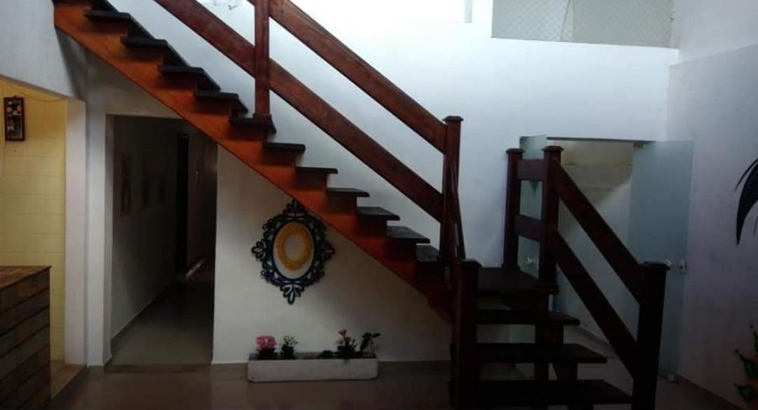 vendo / arrendo / alugo hostel 10 quartos + edícula itanhaém