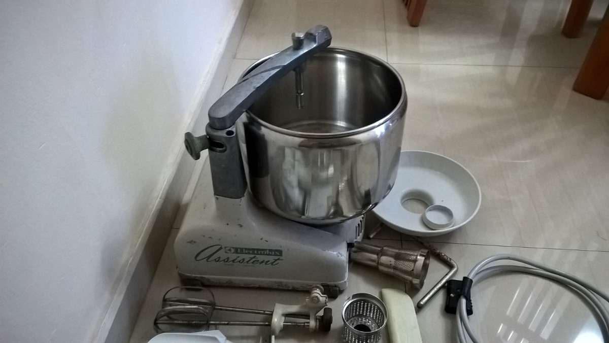Perfecto Exprimidor Ayudante De Cocina Molde - Ideas Del Gabinete de ...