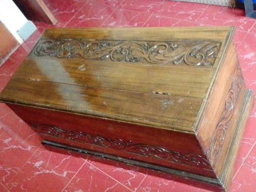 vendo baul de madera decorativo