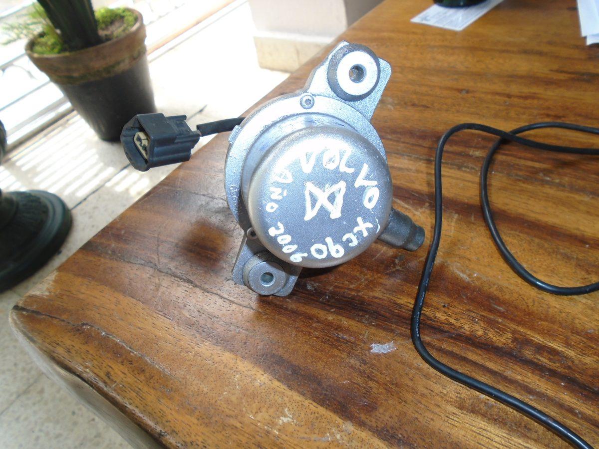 Vendo bomba de agua de volvo xc90 a o 2006 862239 b for Vendo estanque para agua