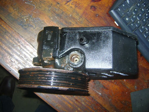 vendo bomba de power steering de chevrolet lumina, año 1991