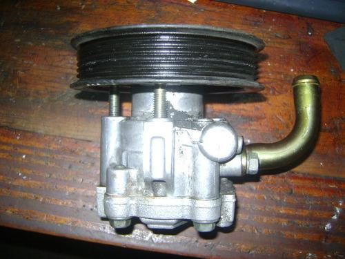 vendo bomba de power steering de ford focus, año 2003