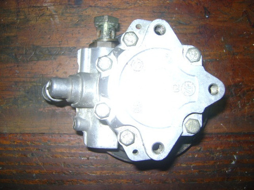 vendo bomba de power steering de land rover freelander, 2001