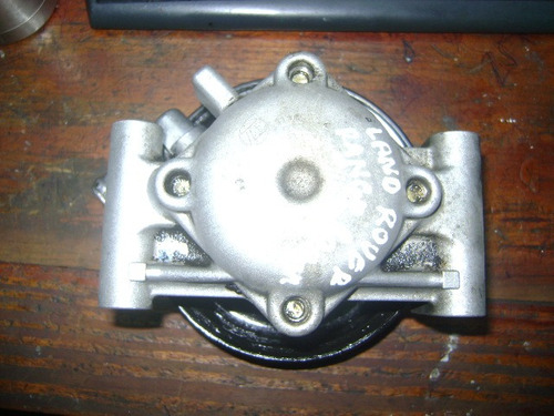 vendo bomba de power steering de land rover , range rover