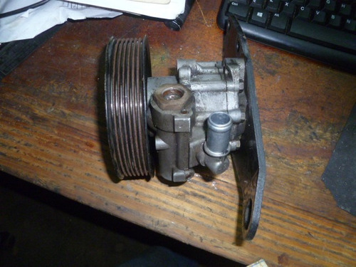 vendo bomba de power steering  de land rover,  range rover