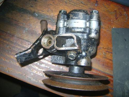 vendo bomba de power steering de mitsubishi lancer, año 1992