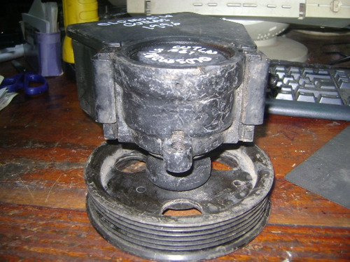 vendo bomba de power steering de oldsmobile cutlas, año 1996
