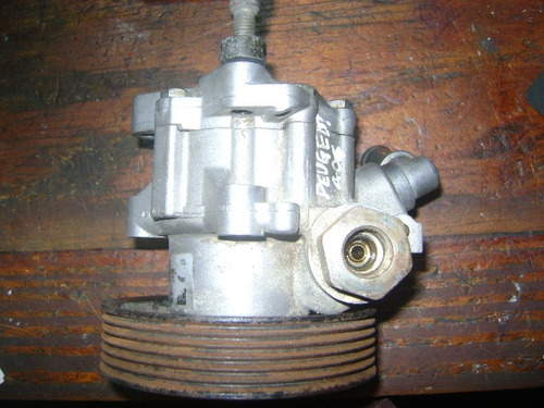 vendo bomba de power steering de peugeot 406, año 1998