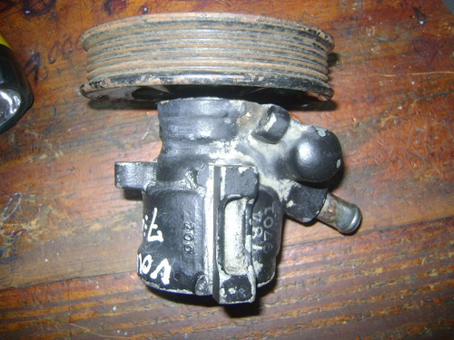 vendo bomba de power steering de volvo 740, año 1990