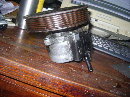 vendo bomba de power steering de volvo 850, año 1995.