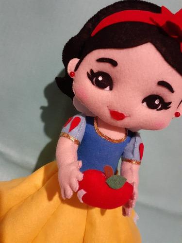 vendo bonecos e lembranças de feltro zap21 982495365