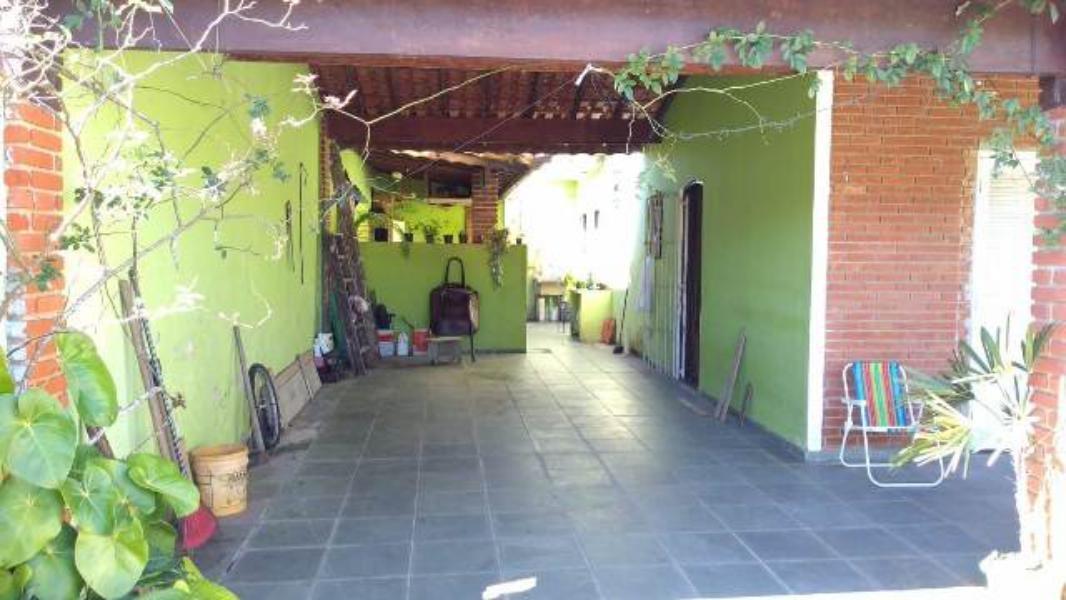 vendo bonita casa em itanhaém perto da praia do bopiranga!