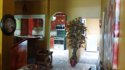 vendo bonita casa en resid. villa celeste al norte de la ciu