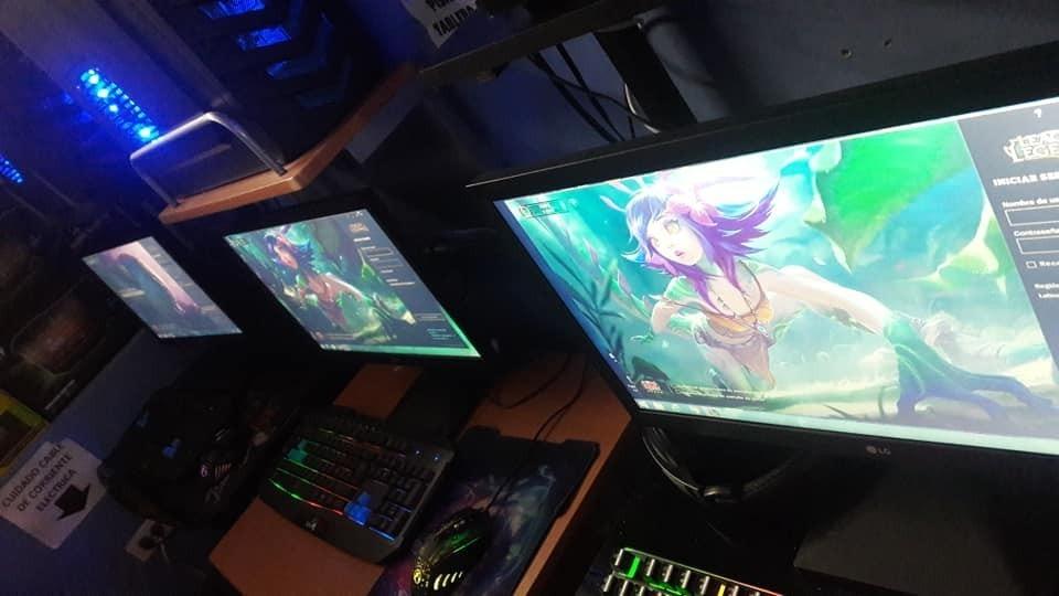 vendo bonito cyber para internet y juegos