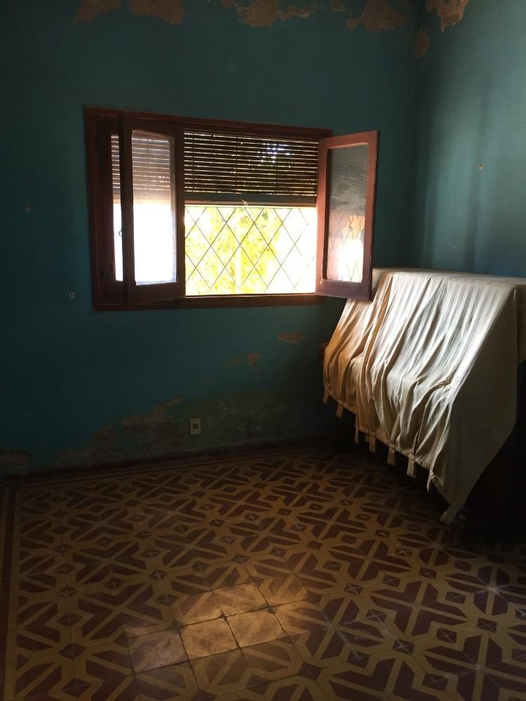 vendo buena casa a reciclar, excelente ubicación de paysandú