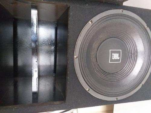 vendo caixa de som da jbl seco 350 rms tudo novo
