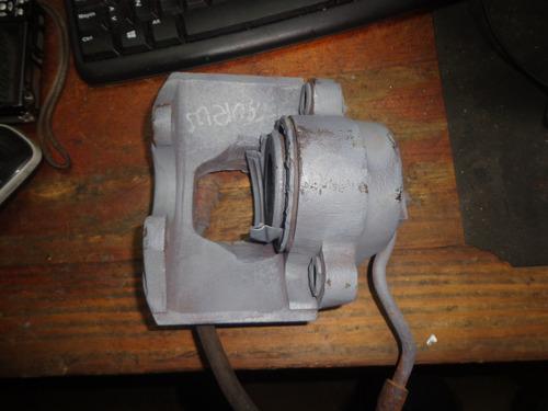 vendo caliper  freno delantero derecho de ford taurus 1992