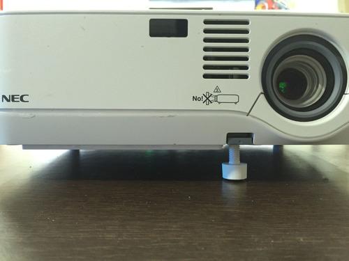 vendo  cambio video proyector nec, poco uso - accesorios