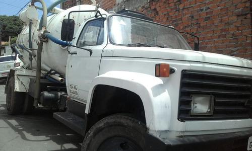 vendo caminhão limpa fossa chevrolet, com documentos em dia