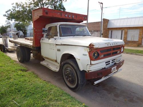 vendo camion dodge 600 1976 con motor perkins y caja playa.