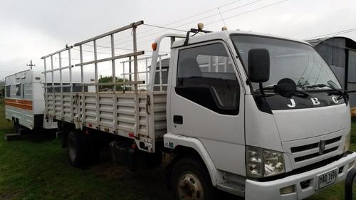 vendo camion jbc. 5 toneladas