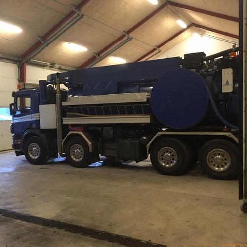 vendo camion limpia fosas , hidrojet , scania p124-420 8x2*6